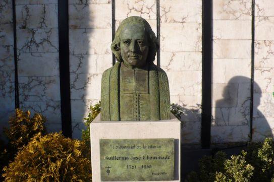 Busto Chaminade a la entrada