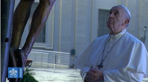 Papa-Francisco-ante-Cristo